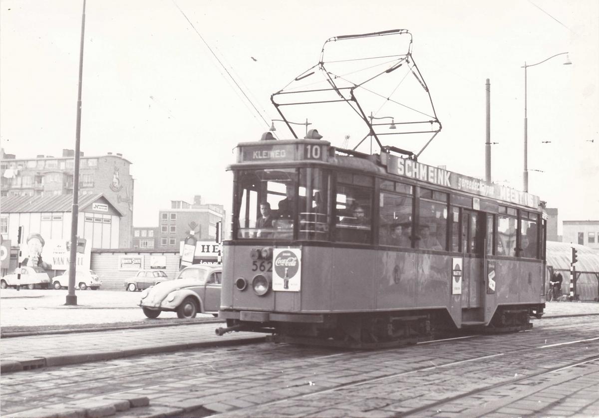 562-V-412a