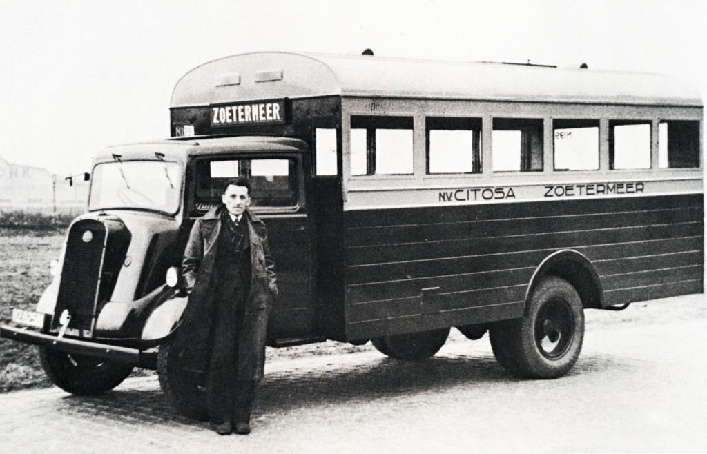 De Ford-Thames van Citosa op de lijn  Zoetermeer-Rotterdam, 1946
