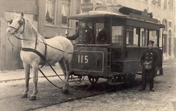 Paardentram 115 in de Hoevestraat, de lijn naar het Slagveld, ca. 1904