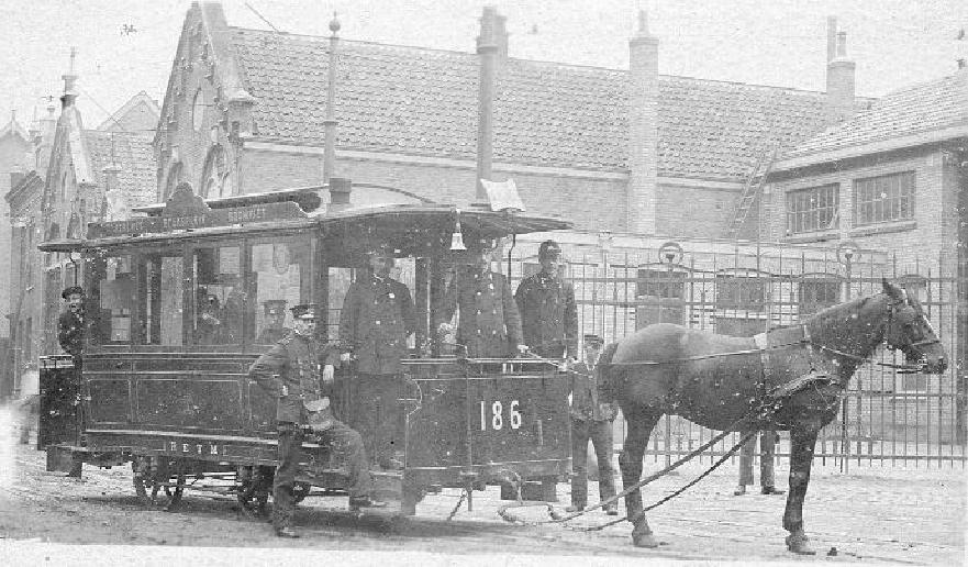 Paardentram 186, Isaäc Hubertstraat