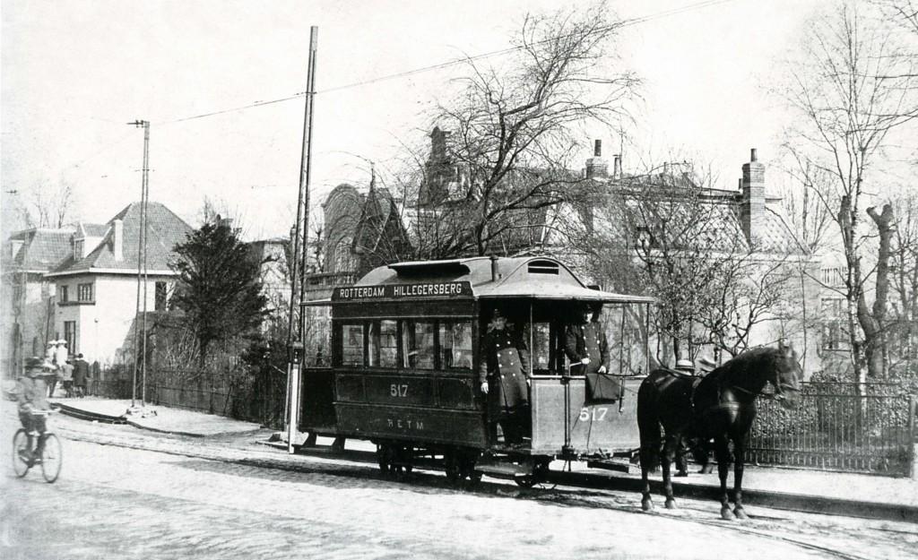 Tijdens de eerste jaren van de R.E.T.M. reed paardentram 517, op de Bergweg Hillegersberg