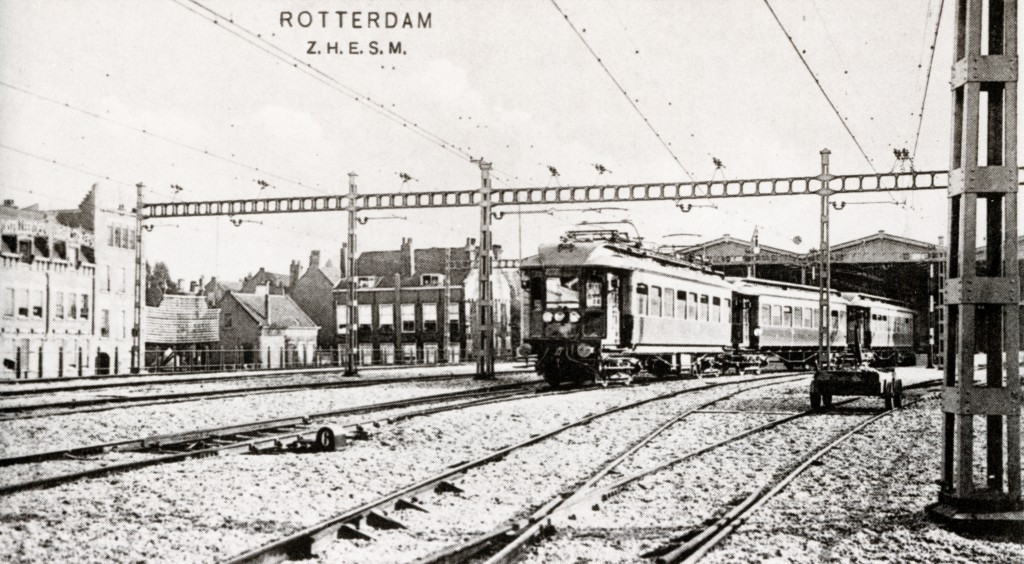 Hofpleinviaduct met stationssporen ter hoogte van station Hofplein (Z.H.E.S.M.) 1908