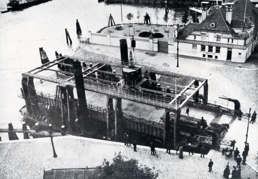 Veerhaven en Veerkade met het Wagenveer, ca. 1910