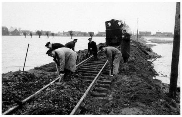 Ook in Zuidland waren er door de watersnoodramp op 1 februari 1953 problemen voor de R.T.M.