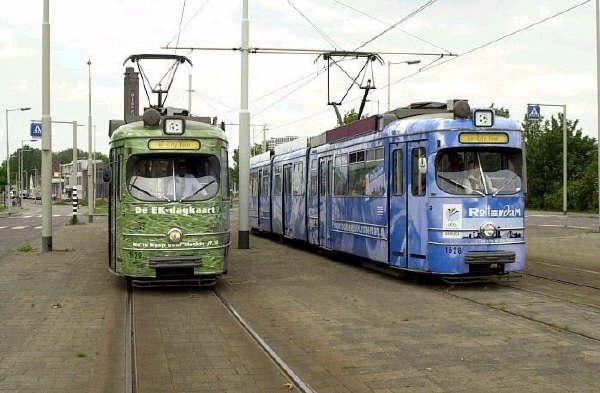 Motorrijtuigen 1628 en 1629 als EK-City Tour trams voor rondritten van de EK-2000 bezoekers