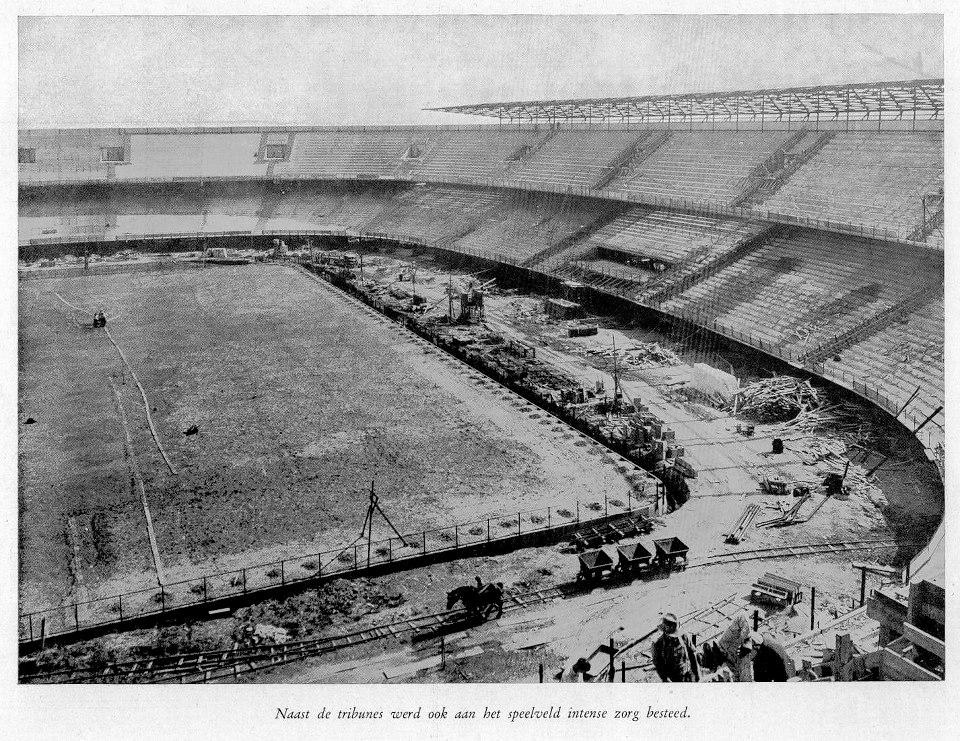 De bouw van het Feyenoord stadion vordert gestaag, ca. 1935