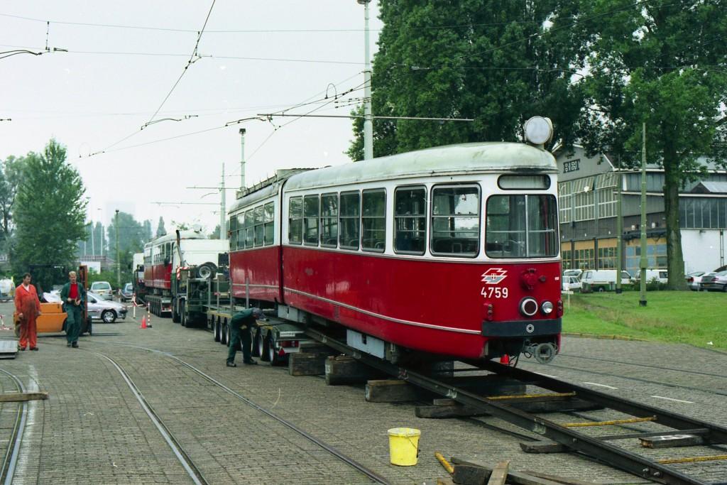 Motorrijtuig 4759 na aankomst in Rotterdam, CW Kleiweg, 3-8-2001