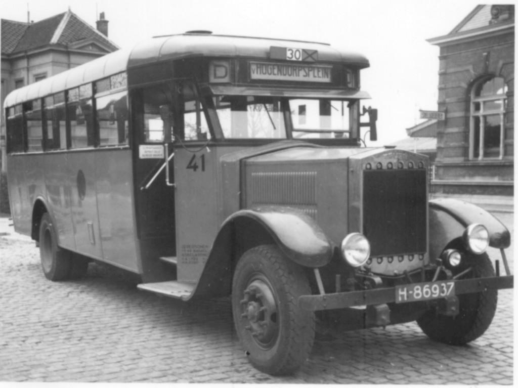 1937ca.,Krupp 41, lijn D, station delft